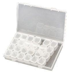Кутия пластмасова 17.5x10.8x2.6 см със 7 подвижни части с по 4 отделения