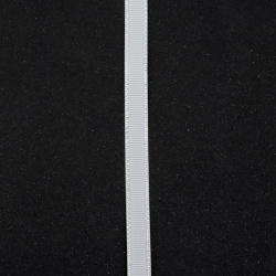 Лента сатен 9 мм рипс бяла опушена с ламе сребро -5 метра