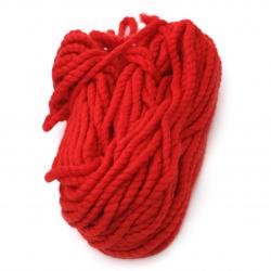 Прежда БАЛКАН цвят червен 50 % вълна 50 % акрил -65 метра -200 грама