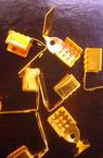 Накрайник метал двоен 4x9 мм със зъб цвят злато -50 броя