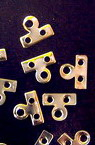 Metal divider with two holes and ear 7x8 5 mm color -50 pieces