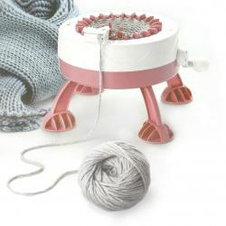Плетачна машина с 22 игли за шапки и шалове 23.5x16 см с 1 кука,1 игла и 2 кълбета прежда по 25 грама ръчна