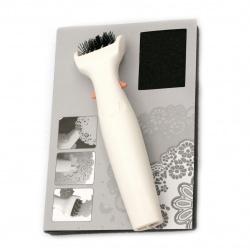 Инструмент за зачистване на щанци от дребни елементи и подложка Die Brush and Foam Pad -1 бр.