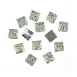 Piatra acrilica pentru lipirea cabochonului tip 6x6 mm alb patrat cu relief -20 bucati