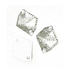 Piatra acrilica pentru cusut figurina alba de 16x20 mm cu pietre aspre - 10 bucati