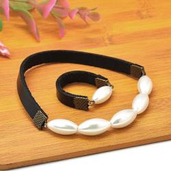 Комплект гривна пръстен 17 мм естествена кожа метал цвят античен бронз перла стъклена 16 мм 55 мм