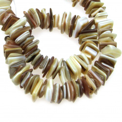 SEASHELL Chip Beads Strand 8-15 mm ~ 90 cm