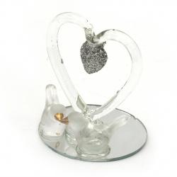 Стъклена фигурка сърце с гълъби сребърен брокат 4.5 см