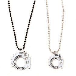 Гердан метал цвят сребро и черен кристали -2 броя 27 см 29 см