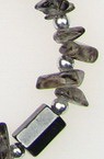 Гердан гривнa естествен камък ПЛАНИНСКИ КРИСТАЛ опушен с магнити -90 см