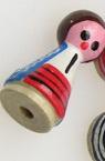 Figurină din lemn Fată pictată manual 25x12 mm cu gaură 3 mm B2 -5 bucăți