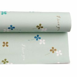 DIY Wrapping Paper Clovers 51x77 cm