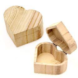 Кутия дървена 109x120x67 мм сърце бяла