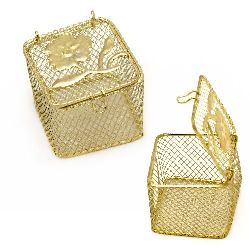 Кутийка с цвете метална 40x40x35 мм цвят злато