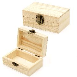 Unfinished Wooden Box with metal clasp 110x70x45 mm