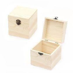 Кутия дървена 120x120x120 мм метална закопчалка
