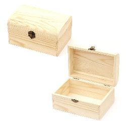 Wooden chest 155x95x85 mm rounded with metal clasp