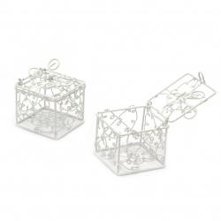 Кутийка метална 50x50x50 мм цвят бял