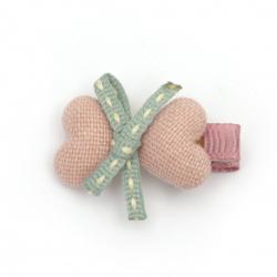 Clemă metalică, inimi textile cu panglică 35x20 mm culoare albastru, roz -2 bucăți