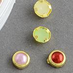 Елементи за декорация перла полусфера 4.5x2 мм в кутия обков АСОРТЕ ~60 броя