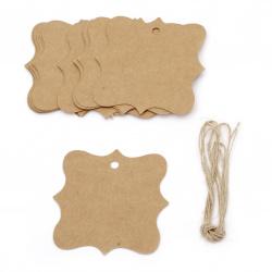 Etichetele de carton sunt de 7.5x7.5 cm kraft carton cu cordon de iută -12 bucăți