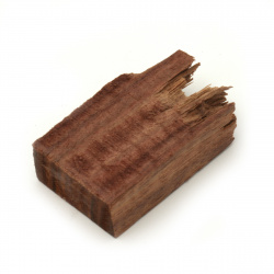 Къс от масивно червено сандалово дърво за вграждане в епоксидна смола 30x15x45~50 мм