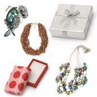 Елегантни бижута и опаковки за подарък